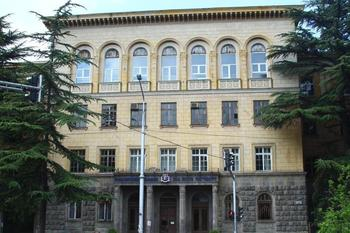 ILIAUNI_main_building